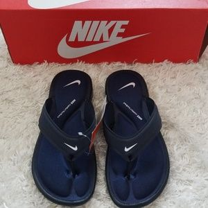 NWT Nike Slippers